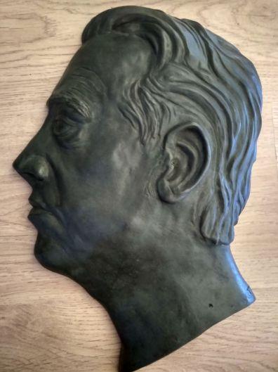 Busto de Agustín Segura fundido en bronce